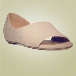 Naturalize Lucie Flats - 6W